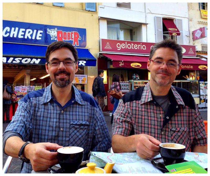 Deux cafes